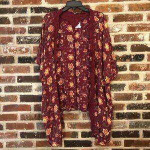 Sun & Shadow - NWOT Floral Maroon Kimono